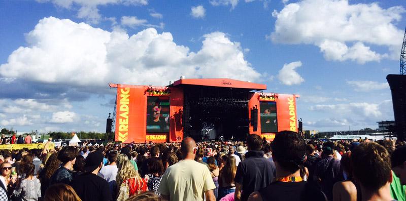10 überraschende Beobachtungen auf einem britischen Musik-Festival   @READING 2015