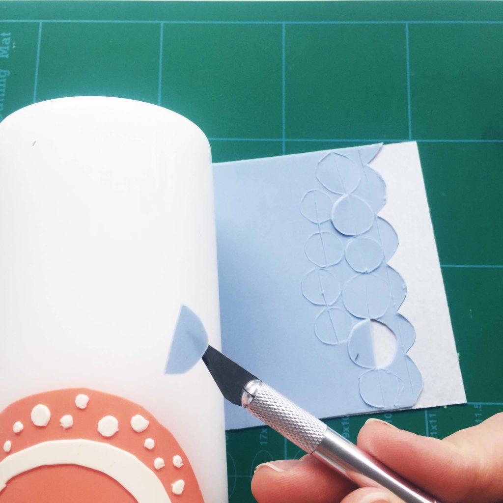 eine schicke taufkerze selber machen oder auch zwei creatipster. Black Bedroom Furniture Sets. Home Design Ideas