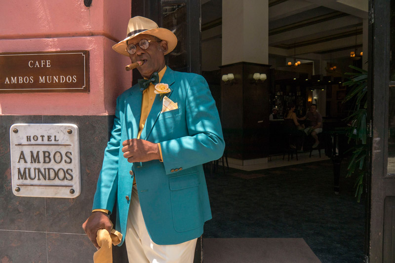 Cuba-man-with-cigar