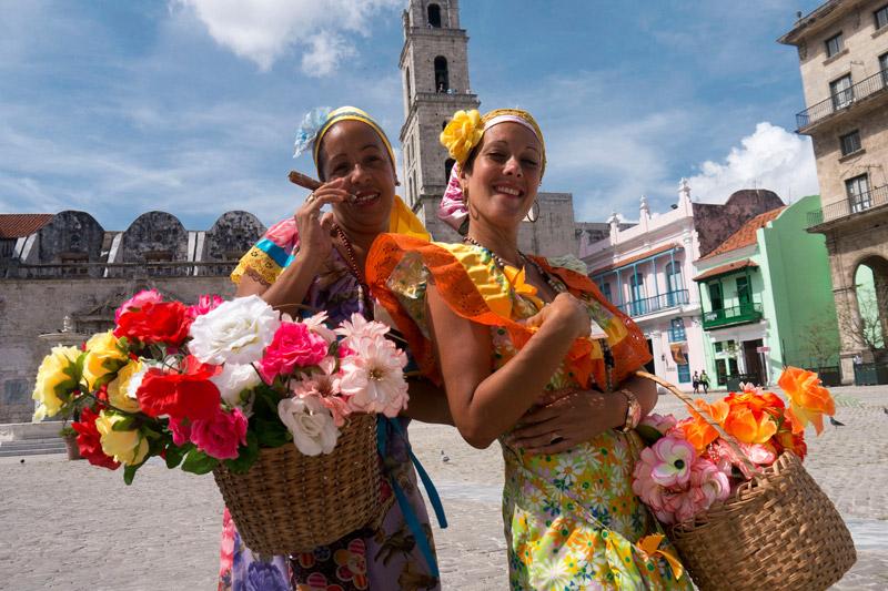 cuban-flower-ladies