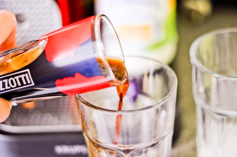 Anleitung für einen hervorragenden Iced Latte (Eiskaffee mit Doppio Espresso)