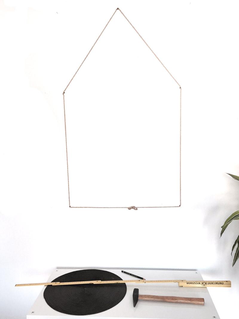 DIY-Adventskalender_Haus-an-Wand
