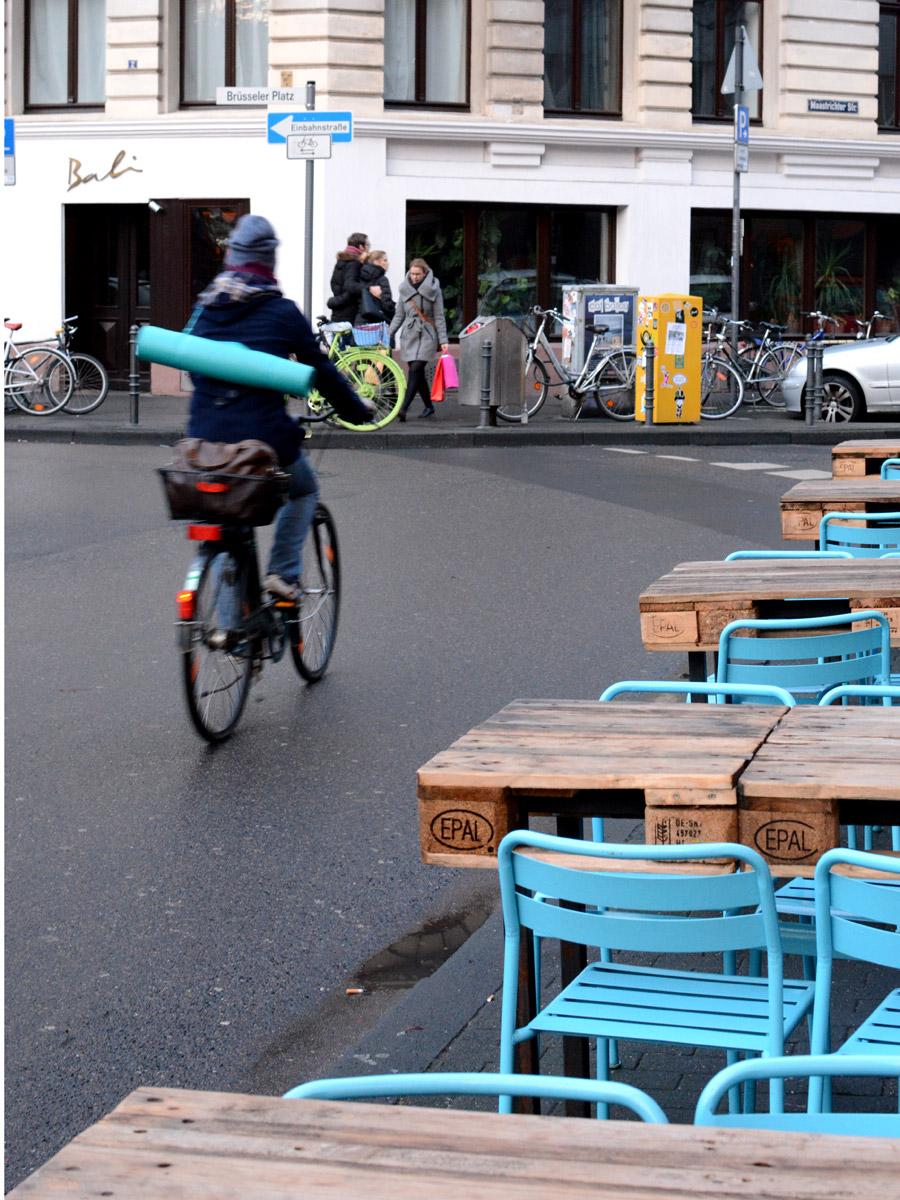 Brüsseler-Platz-blau