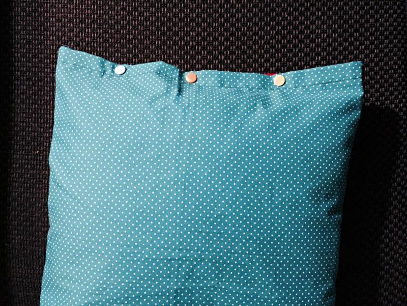 Einfaches-Kissen-nähen_Abschluss-mit-Druckknöpfen-KAMS